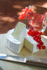 Brie cheese with fruit
