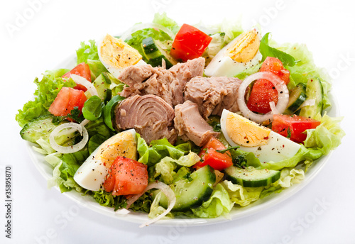 Tuna and vegetable salad - 35895870