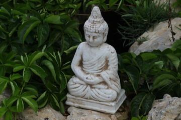 Buddha als Gartendekoration