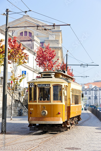Leinwandbild Motiv tram, Porto, Portugal