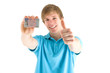 junger Mann mit Führerschein
