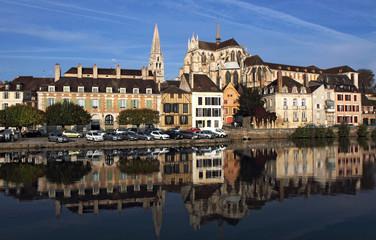 Abbaye Saint Germain, reflets dans l'Yonne
