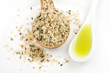 hemp seeds and hemp oil3