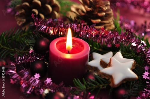 dekoration zu weihnachten kerze und zimtsterne. Black Bedroom Furniture Sets. Home Design Ideas