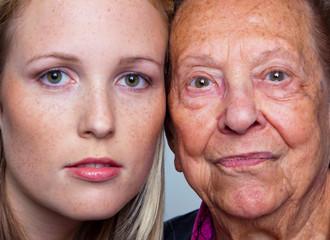 Portrait einer jungen und einer alten Frau
