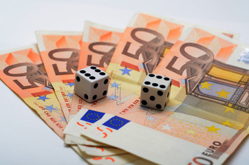 Double six dice on the 50 euro's notes