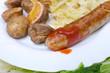 Wirsing, Bratwurst und Backkartoffeln