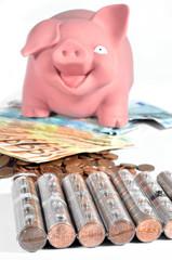 Hucha de cerdito con ahorros