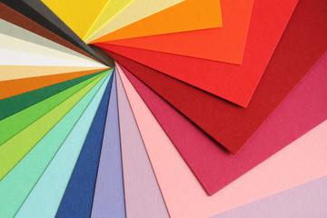 Farbenlehre - bunte Pappe