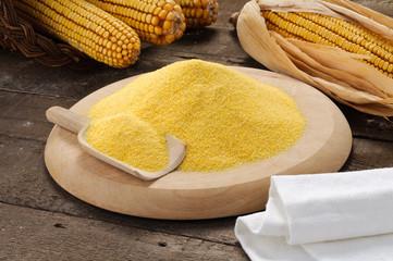 Farina di mais con ambientazione - Maize flour