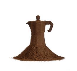 Cafetera sobre polvo de café.