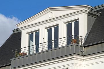 Dachgaube mit drei Fenstern