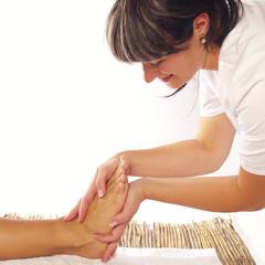 entspannende Fußmassage durch Podologin quadratisch