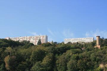 vue sur une colline à lyon
