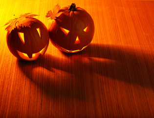Halloween glowing pumpkins border