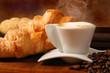 Caffè caldo e paste fresche