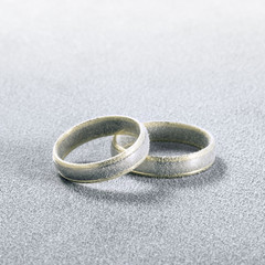 frosted wedding rings