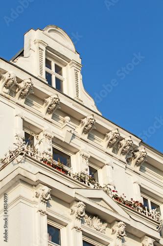 Dachgaube über Balkon