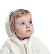 Detaily fotografie holčička v bílou čepici