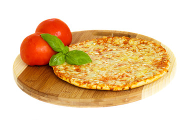 pizza quatrro fromaggi (four cheese) with fresh tomatoes