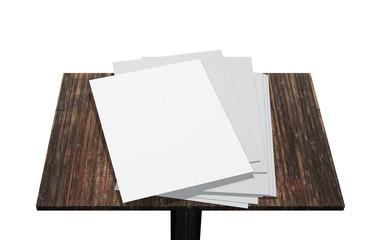 pagine bianche sopra leggio in legno