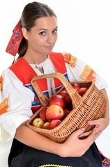 femme avec pommes