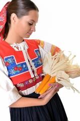 folklore femme avec le maïs