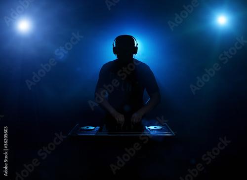 Dee jay silhouette