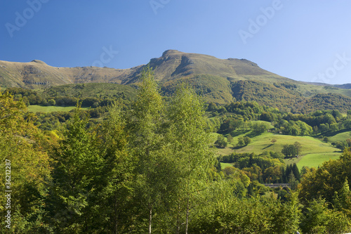 Monts du Cantal 01