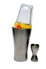 Cocktailmixer mit Glas und Messbecher