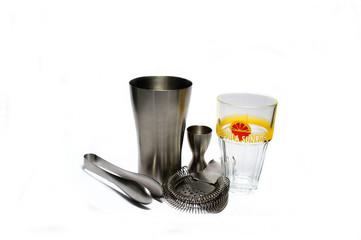 Cocktailmixer mit Messbecher, Zange und Cocktailglas