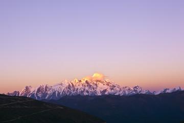 tibet: mount namjag barwa sunset