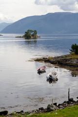 Bateaux dans fjord