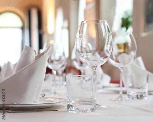 Gedeckter Tisch - 36236005
