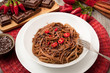 spaghetti al cioccolato e peperoncino