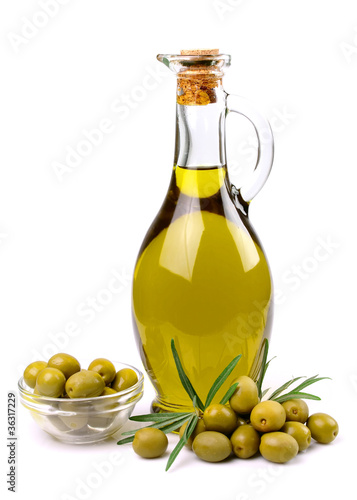 olives and oil close up