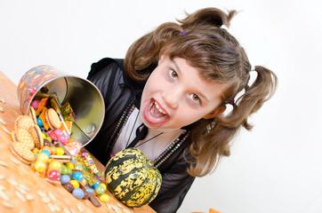 Vampirina mit Süßigkeiten