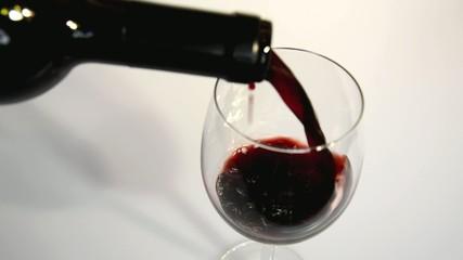 Wein Einschenken Oben