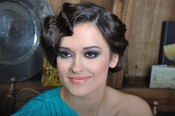 retro woman cool hairstyle