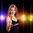 blonde junge Frau im Party-Outfit