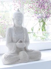 Buddha im Fenster