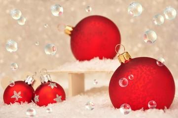Weihnachtskugeln in Seifenblasen
