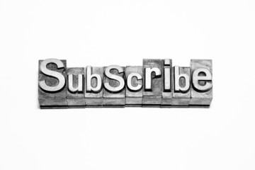 bottone subscribe caratteri tipografici