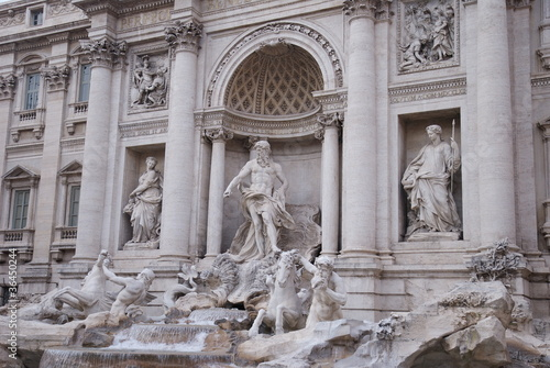 Heritage of Roma, Trevi's fountain