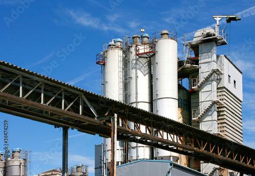 Außenansicht Zementfabrik / 2