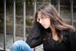 Portrait eines nachdenklichen, traurigen Mädchens