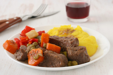 beef stew with mashed potato