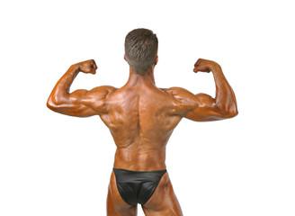 Exhibiendo la musculatura.