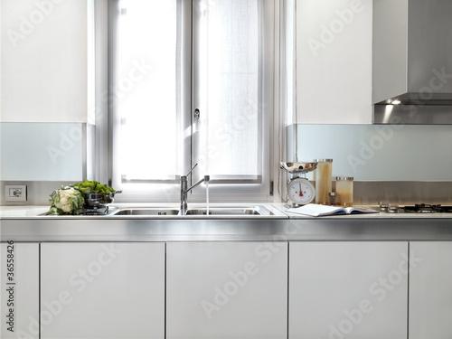 Dettaglio lavandino di cucina moderna di adpephoto foto - Abbonamento cucina moderna ...