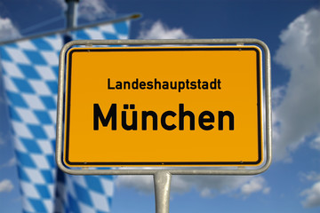 Deutsches Ortsschild Landeshauptstadt München